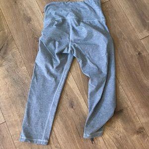 Pants - Adorable Old Navy Capri high waist workout pants